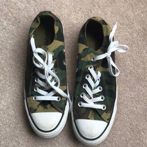 Green Camo Low top Converse